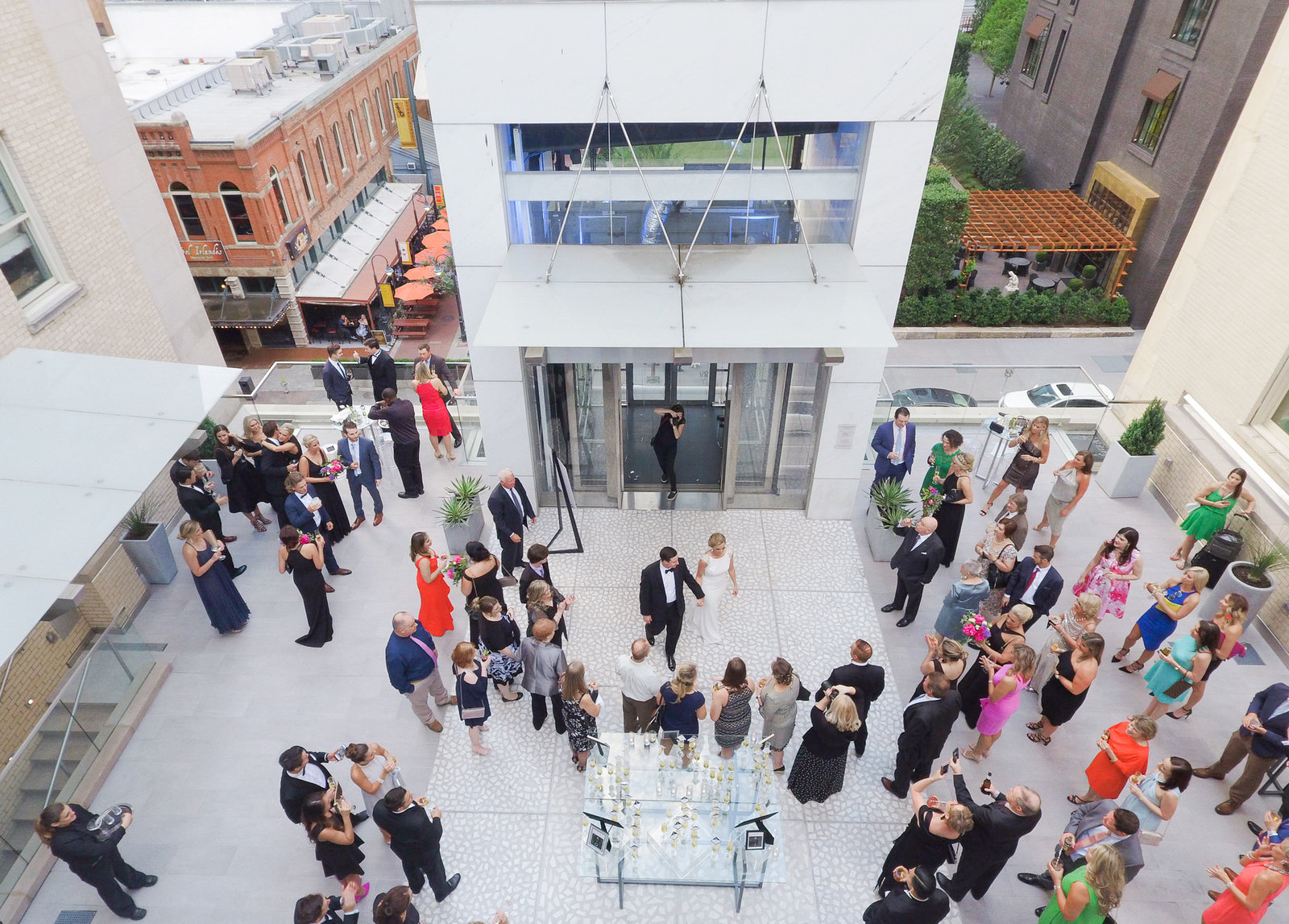 Courtney Hanson Photography - Modern wedding at The Joule-0006