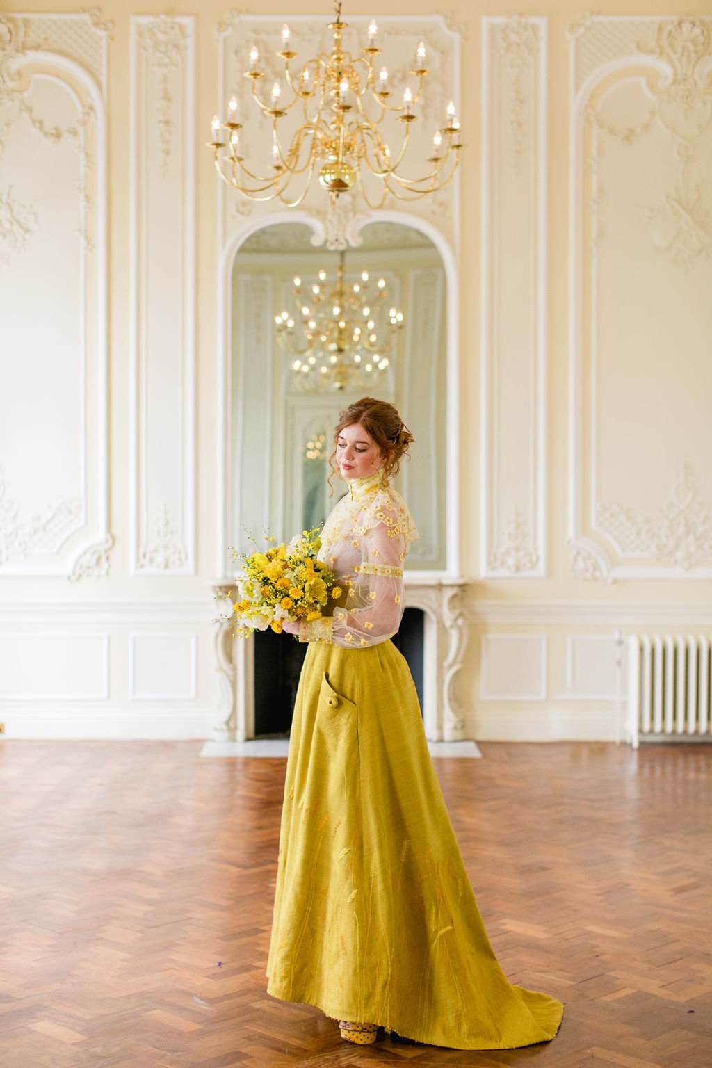 Mustard-yellow-linen-sunflower-wedding-dress-JoanneFlemingDesign-RobertaFacchiniPhoto  (11)