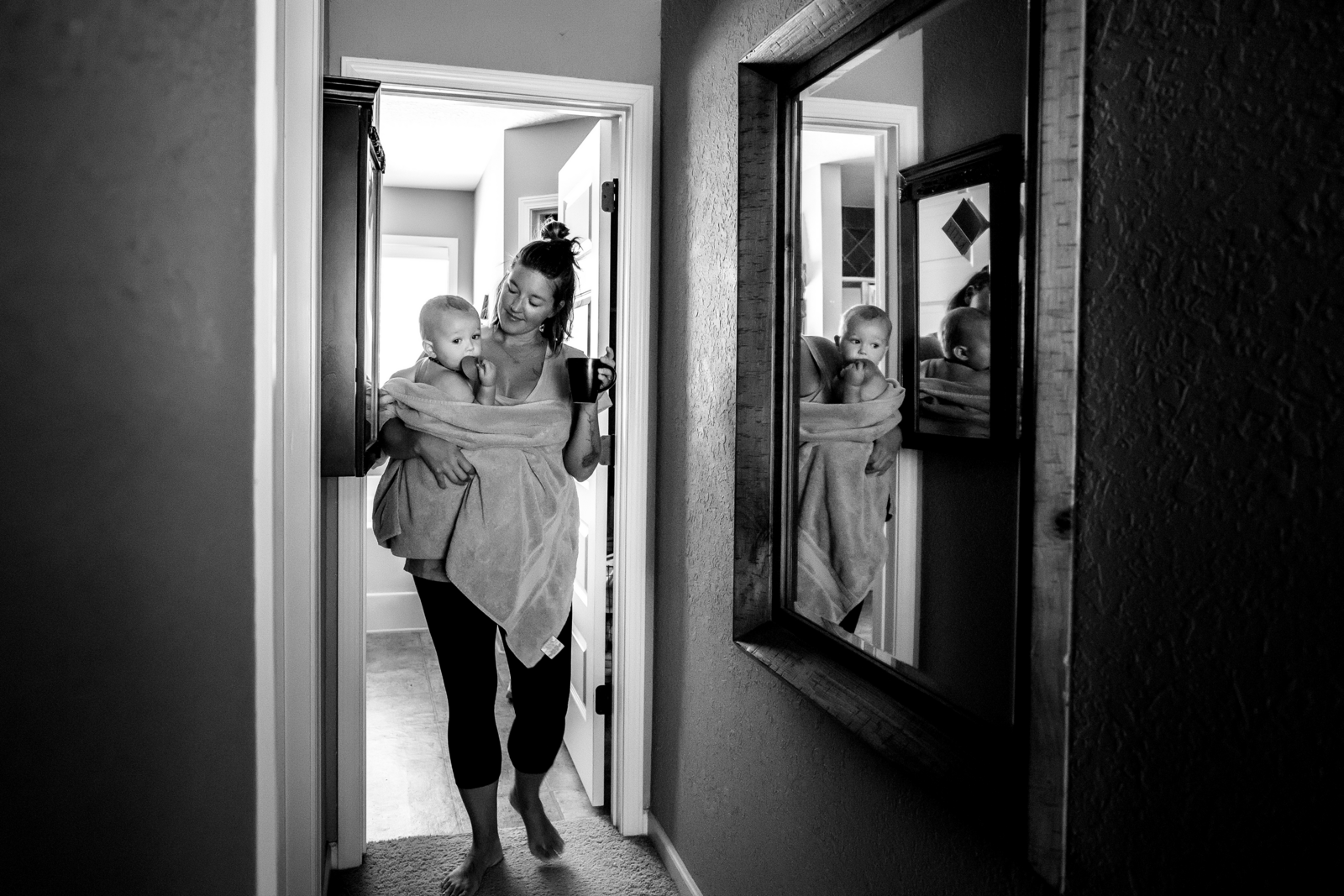 family photographer, columbus, ga, atlanta, documentary, photojournalism, baby in towel after bath_1728-2