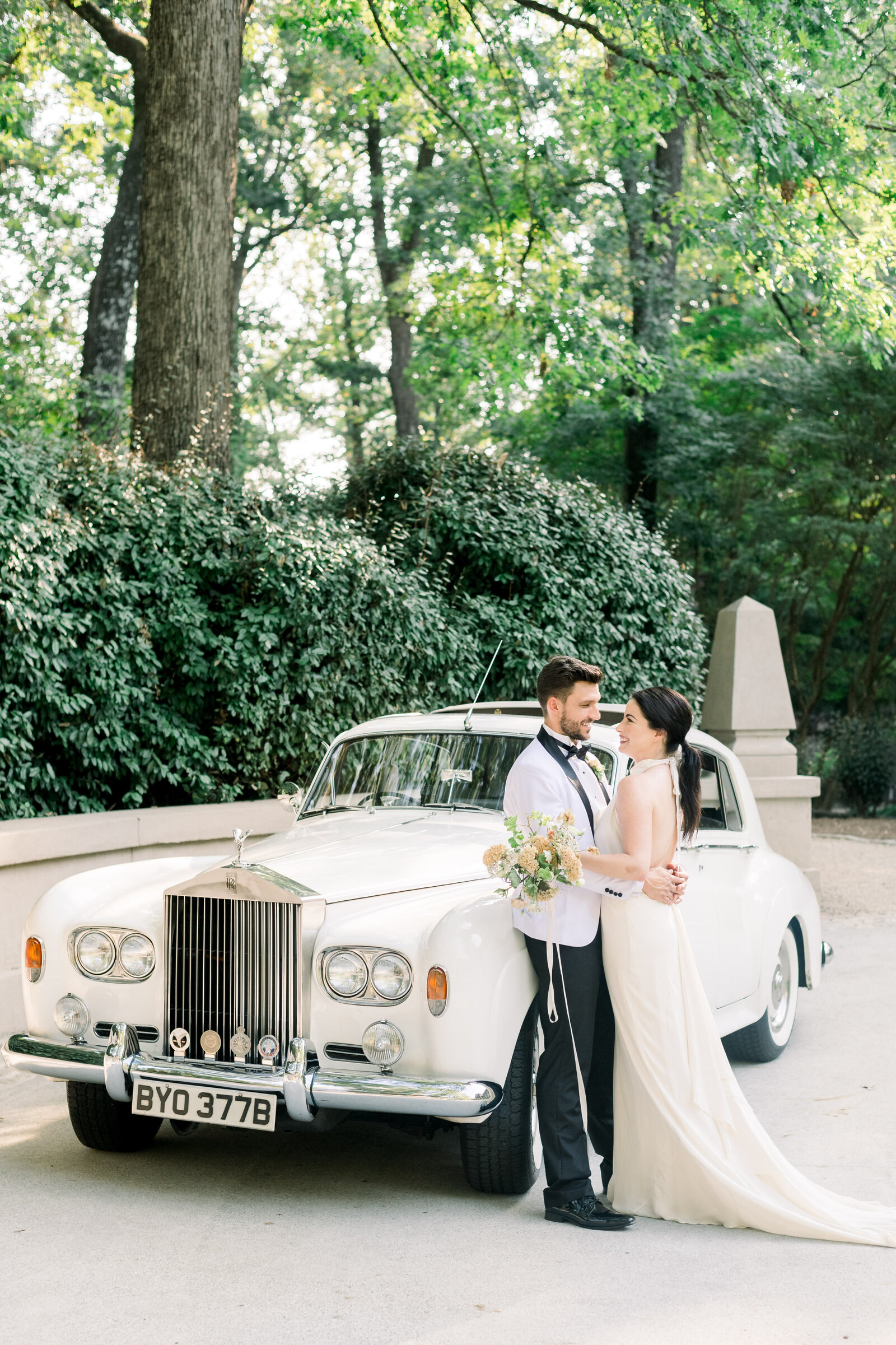 Fine art modern wedding with Rolls Royce at the Swan House in Atlanta by Liz Andolina Photography