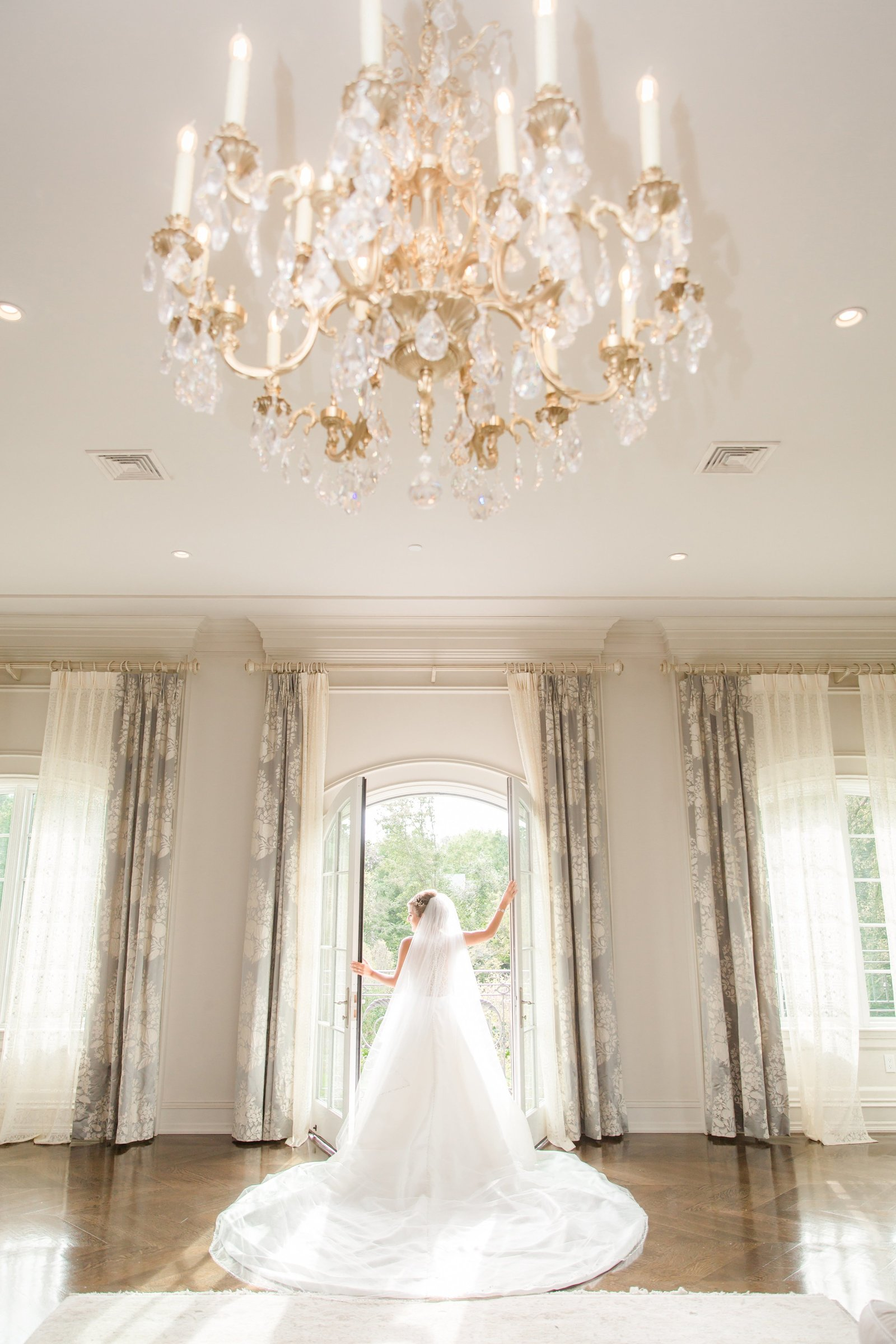 Bridal Portrait at Park Chateau Estate