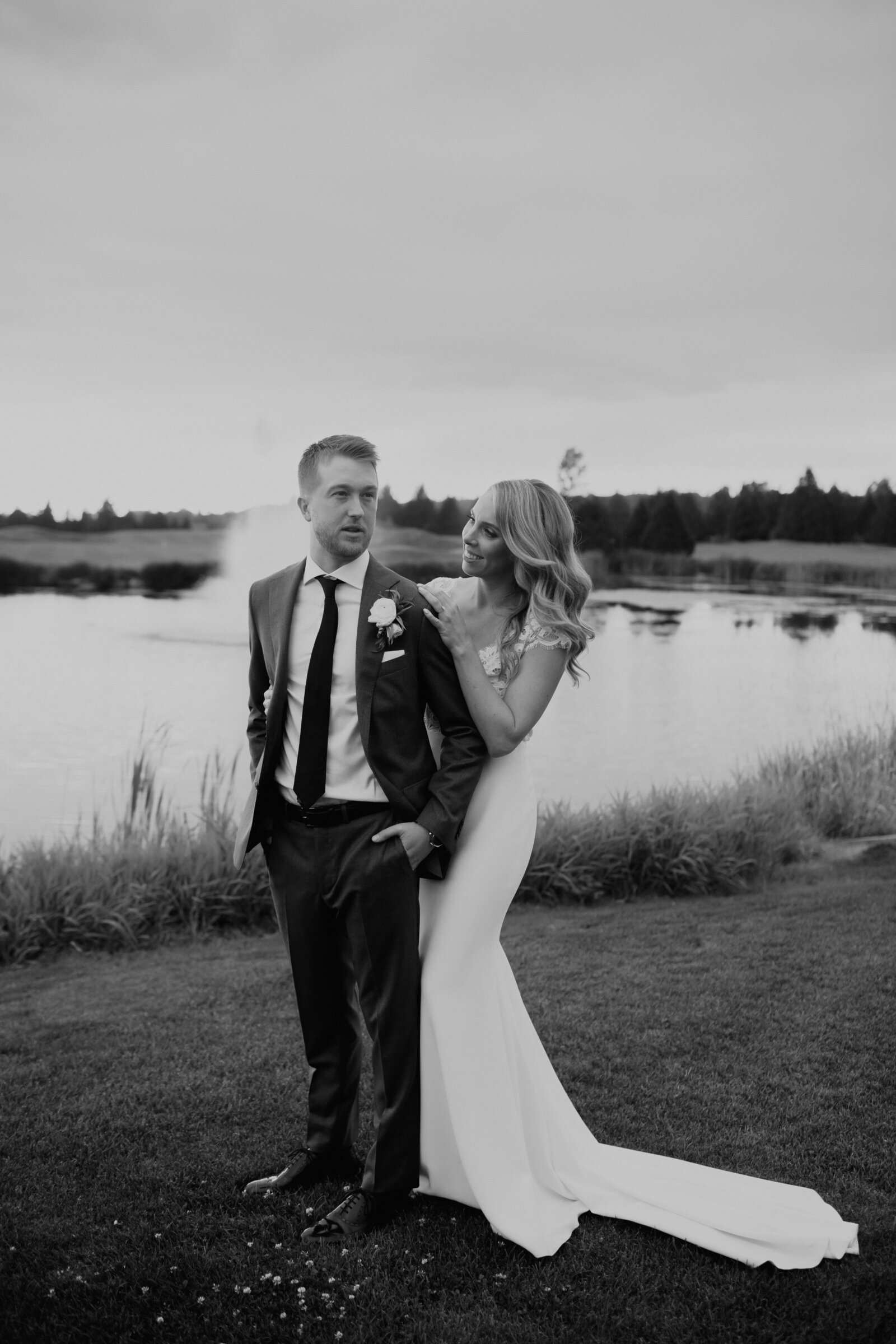 MeghanHemstra-Riverway-Clubhouse-Wedding-Photos-3