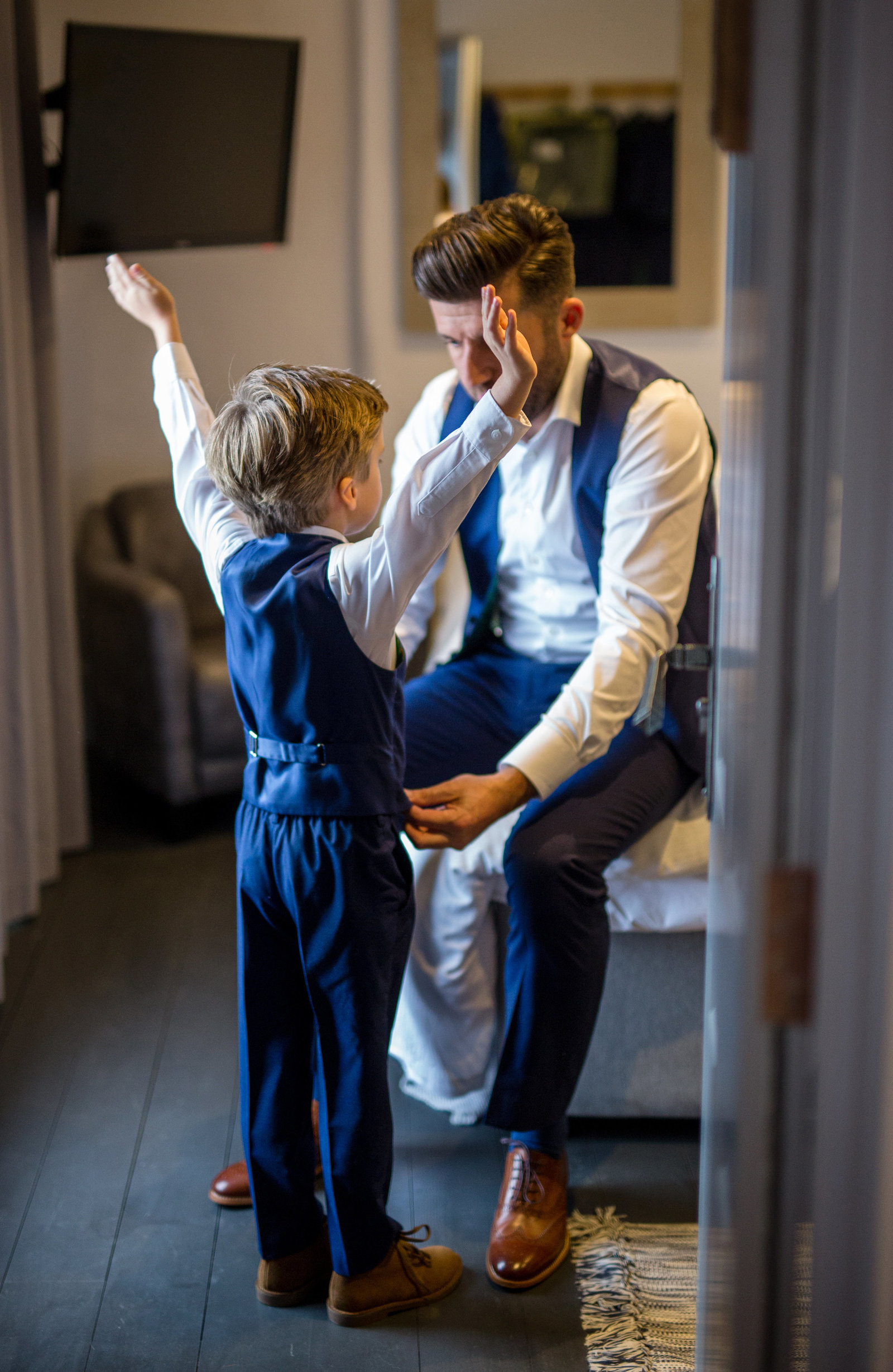adorlee-1118-southend-barns-wedding-photographer-chichester-west-sussex