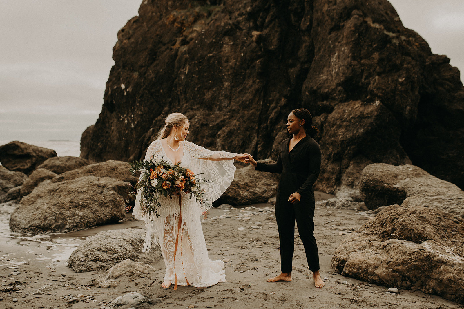 Ruby_Beach_Styled_Elopement_-_Run_Away_with_Me_Elopement_Collective_-_Kamra_Fuller_Photography_-_First_Look-23