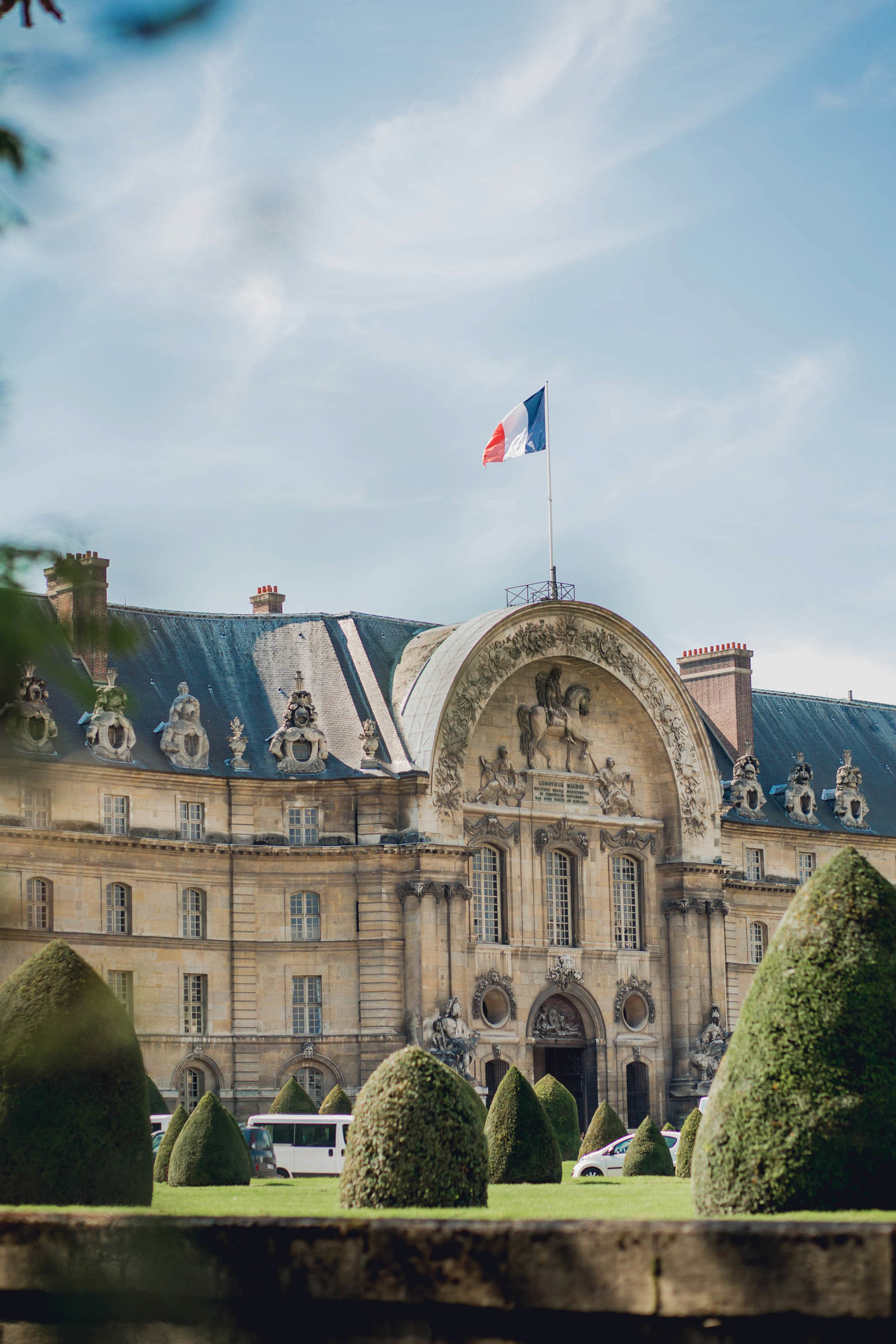 musee-armee-paris-france-travel-destination-wedding-kate-timbers-photography-1751