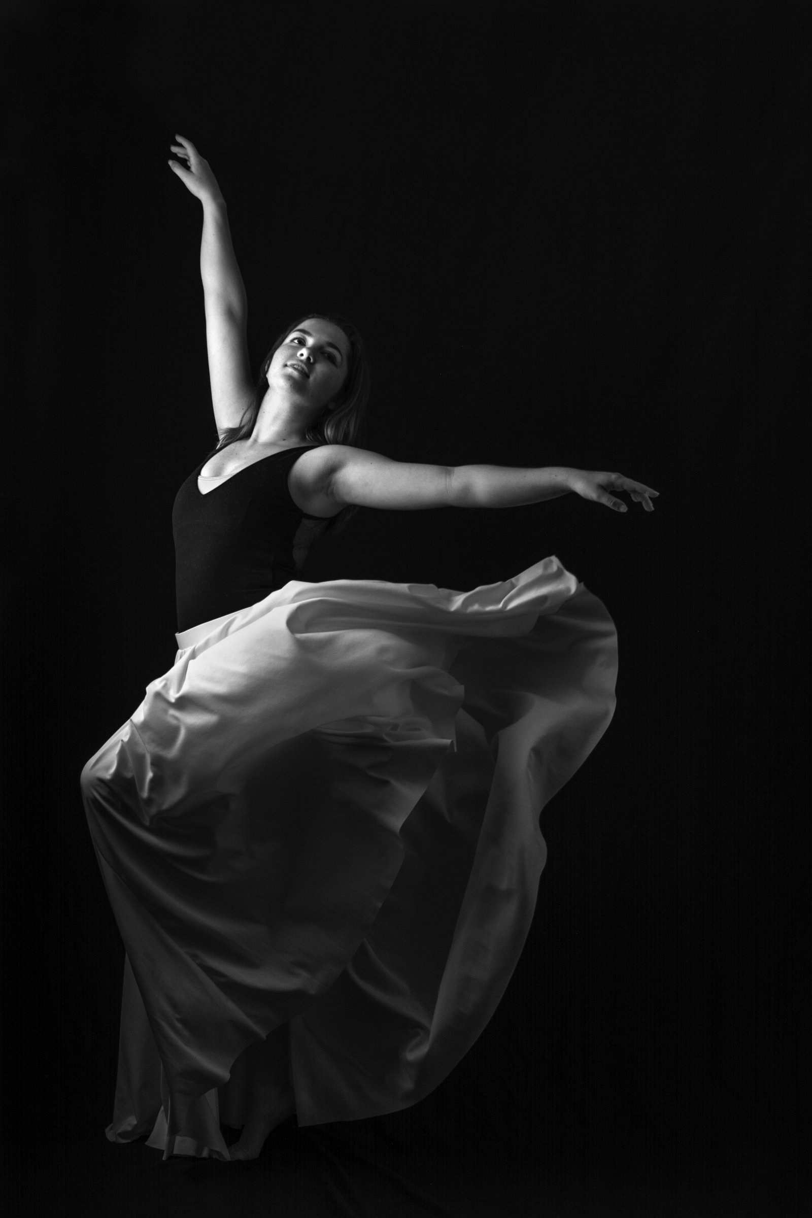 Megan ballet in home studio bk&wh