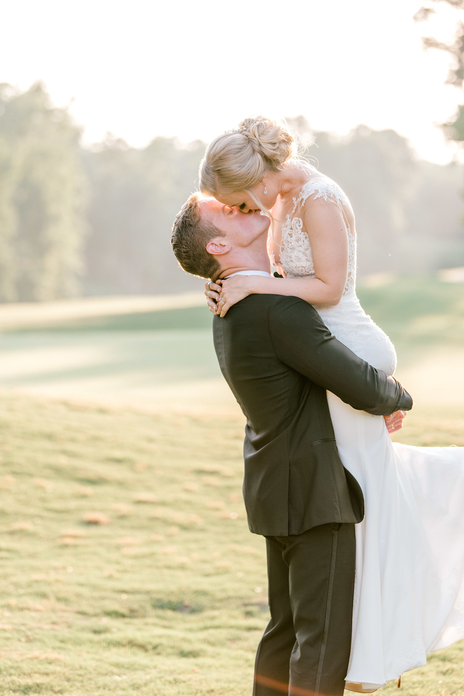 charlotte-wedding-photographer-firethorne-country-club-wedding-golf-course-fine-art-bright-and-airy-film-photographer-alyssa-frost-photography-9