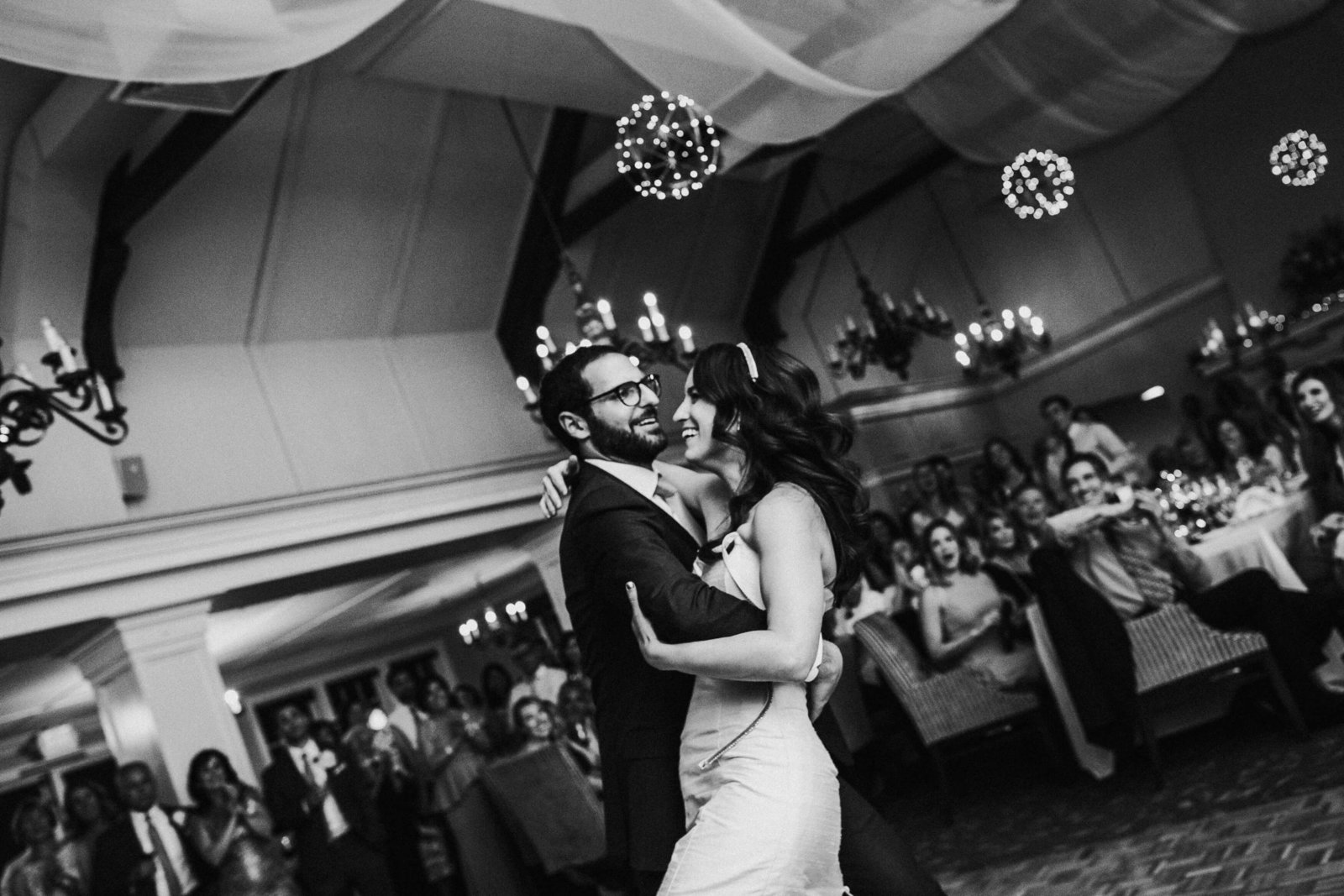 Lauren+Andrew-Sand-Point-Country-Club-wedding-photos-adina-preston-weddings-301