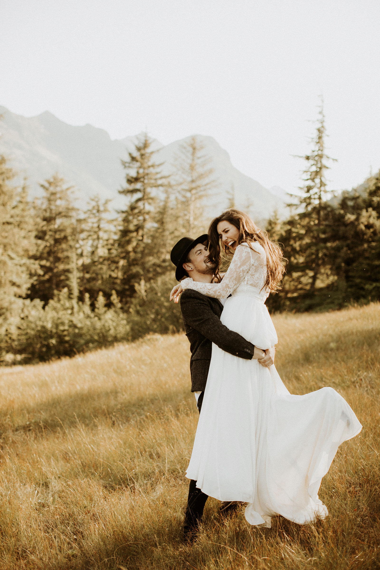 athena-and-camron-alaska-elopement-wedding-inspiration-india-earl-athena-grace-glacier-lagoon-wedding47