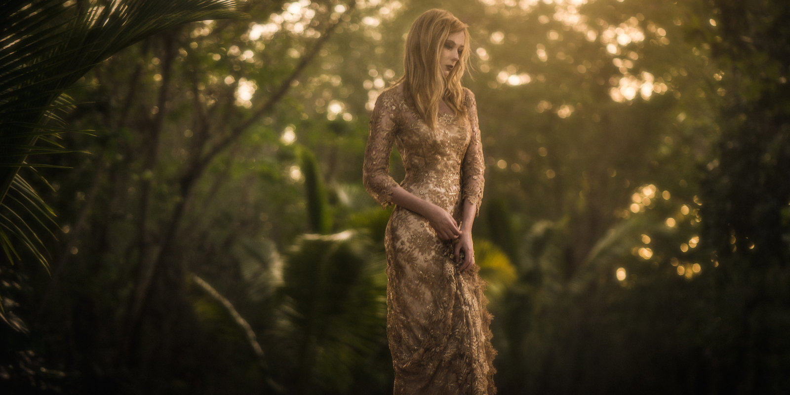 Orlagh_metallic_gold_lace_evening_dress_JoanneFlemingDesign_VonWongPhoto