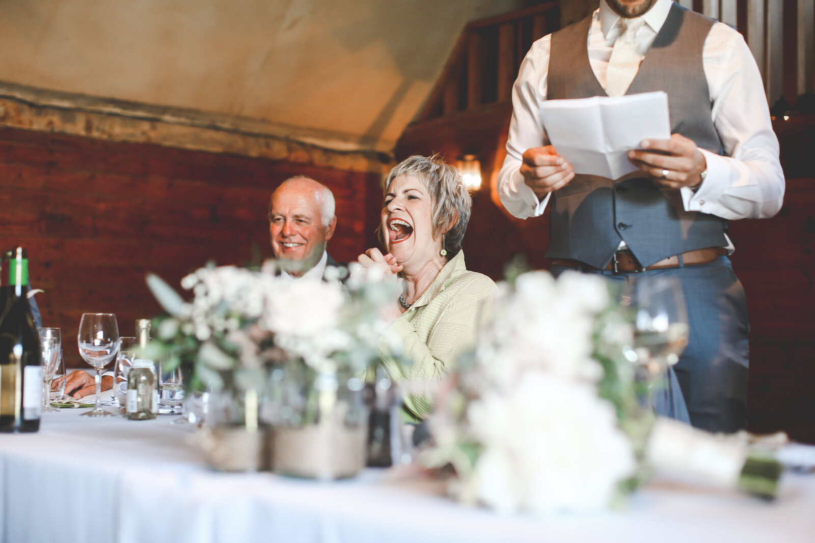 LAINS-BARN-WEDDING-PHOTOGRAPHER-FUN-REALXED-0052
