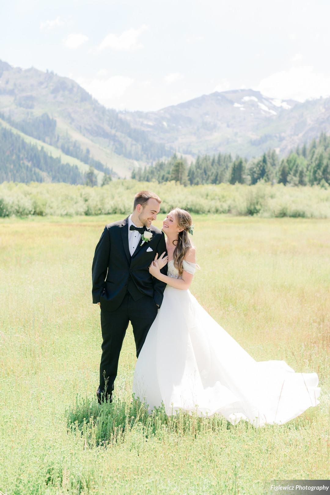 Garden_Tinsley_FiglewiczPhotography_LakeTahoeWeddingSquawValleyCreekTaylorBrendan00025_big