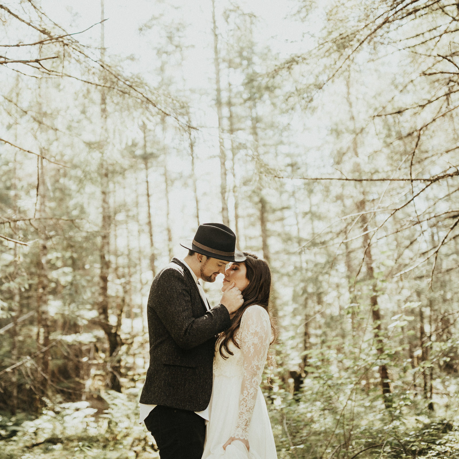 athena-and-camron-alaska-elopement-wedding-inspiration-india-earl-athena-grace-glacier-lagoon-wedding32