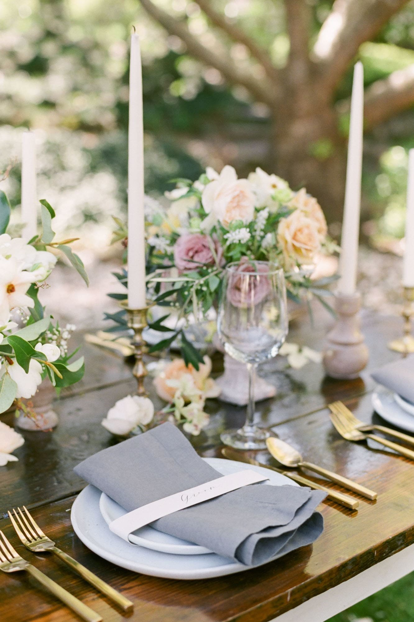 Styled tablescape at Columbia River Gorge wedding