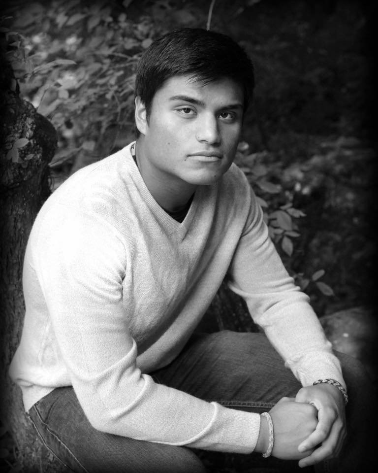 Senior Portraits of a close up of boy in black and white