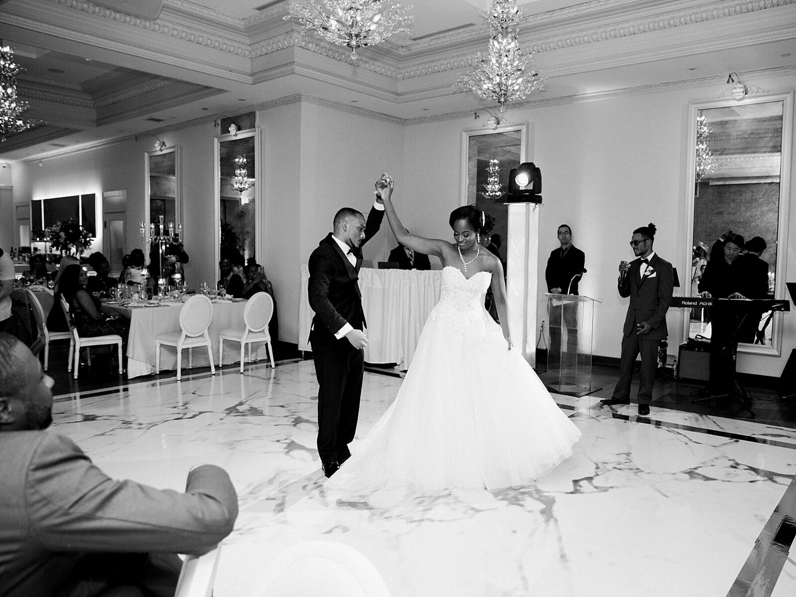 university-toronto-knox-wedding-rosewater-room-photographer_0013