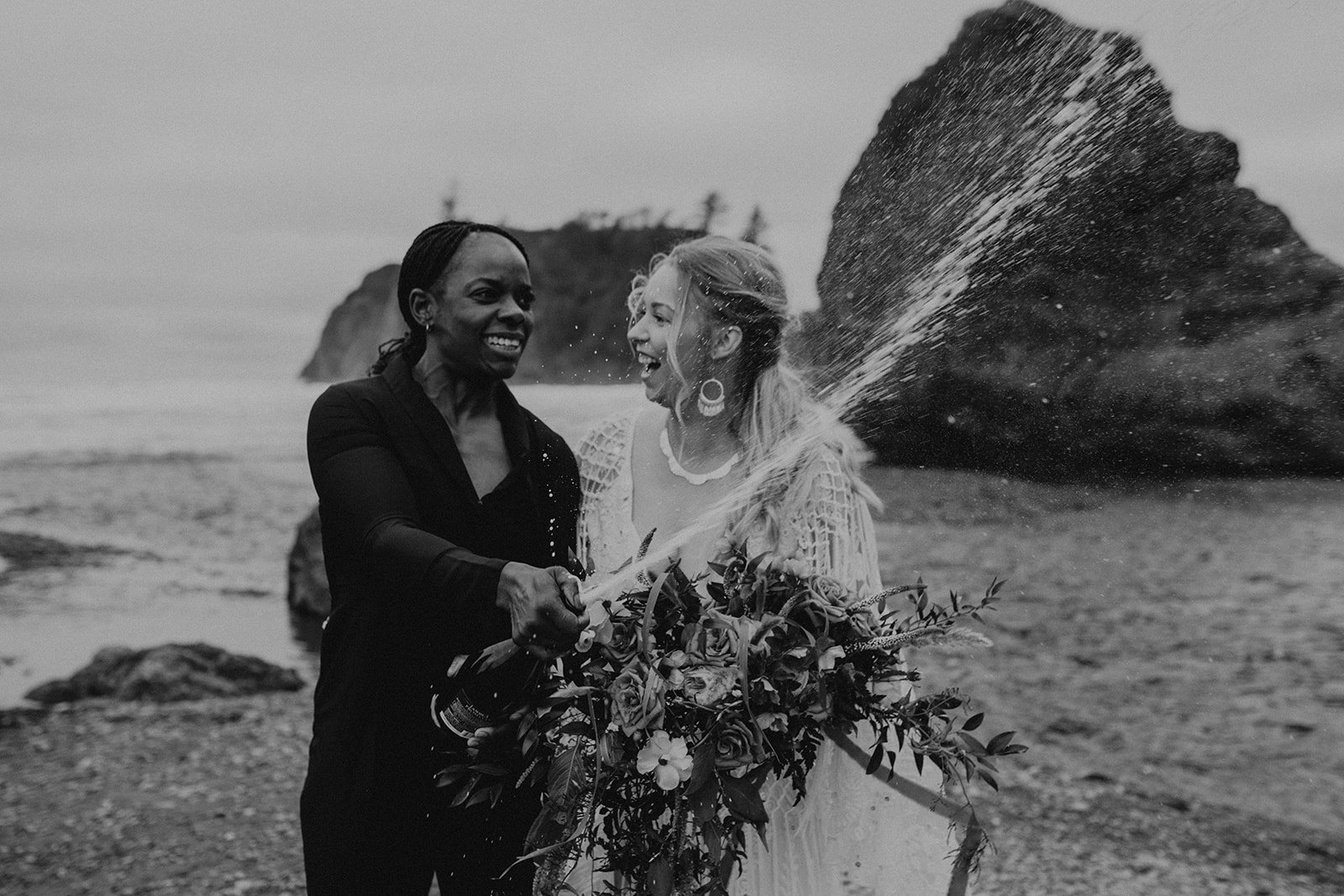 Ruby_Beach_Styled_Elopement_-_Run_Away_with_Me_Elopement_Collective_-_Kamra_Fuller_Photography_-_Champagne-14