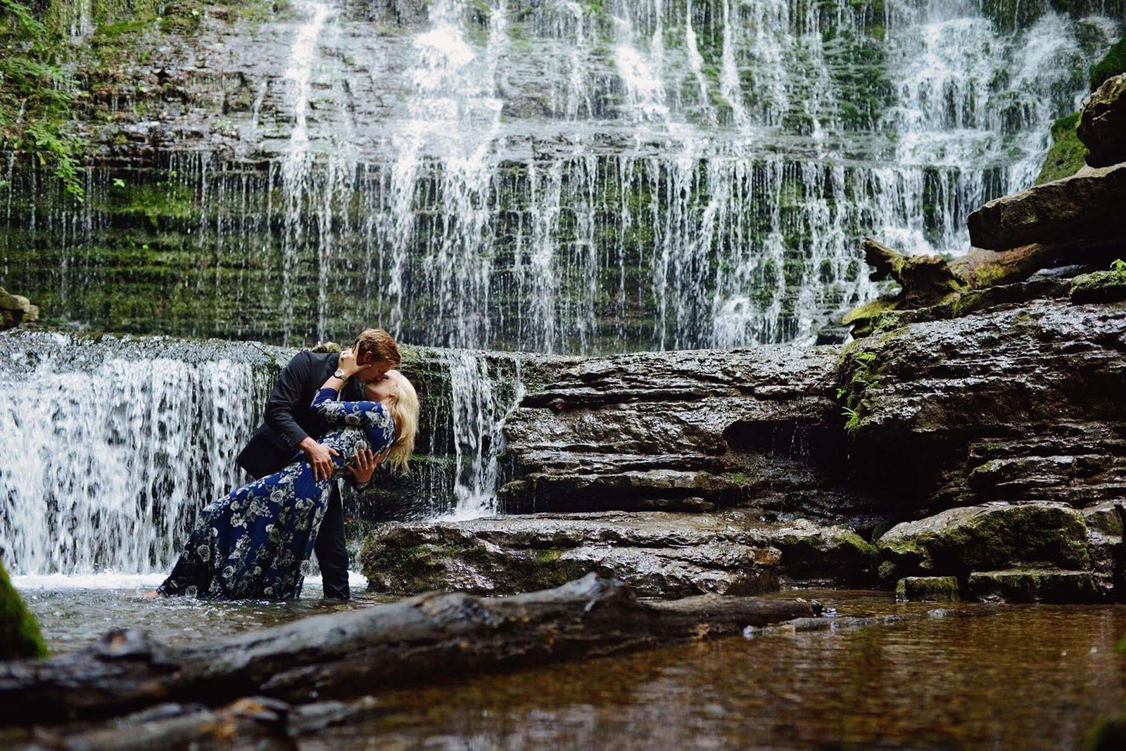 Chattanooga wedding photographer waterfall engagement session