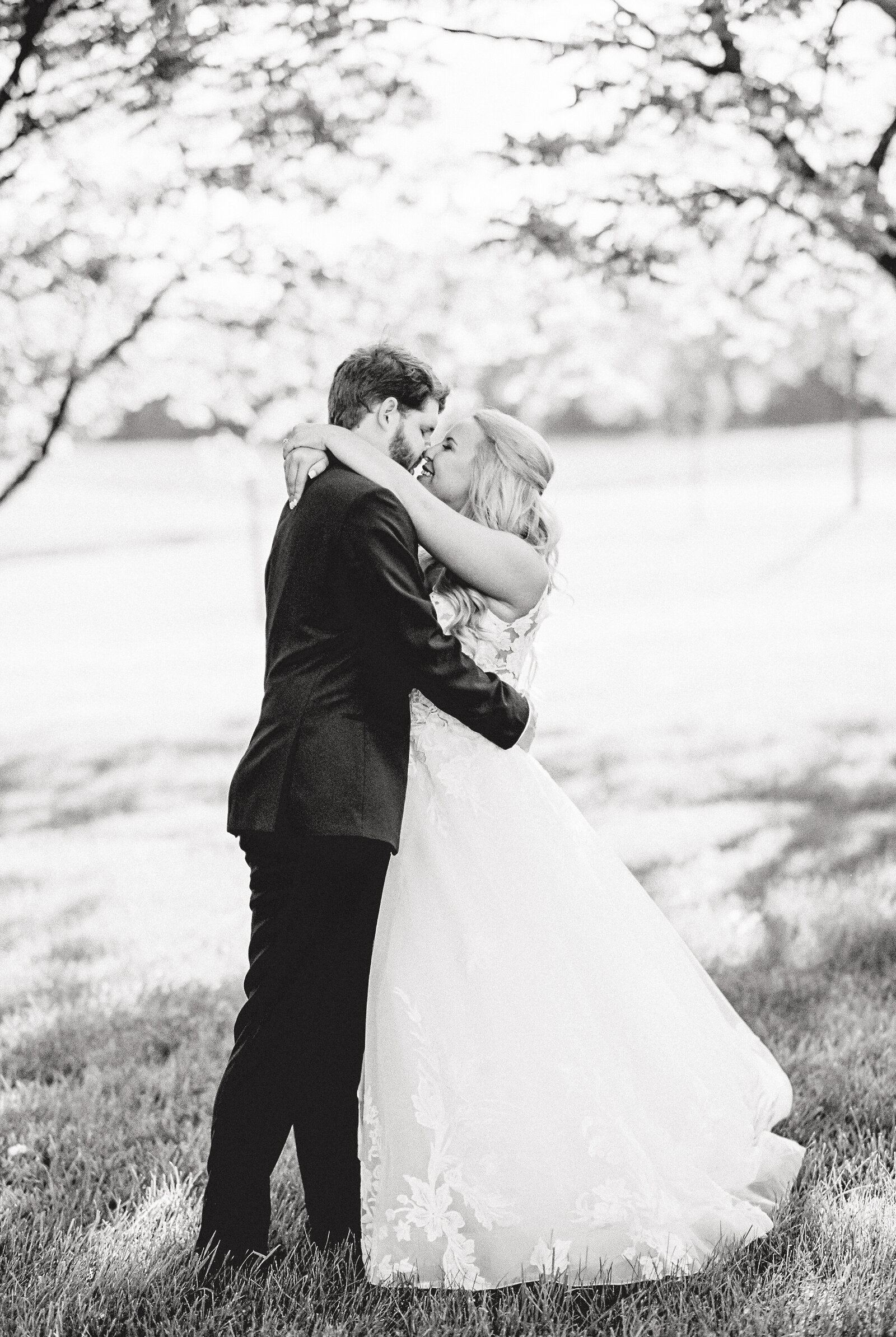 ChoinkaWeddingBrideandGroomPortraits-111