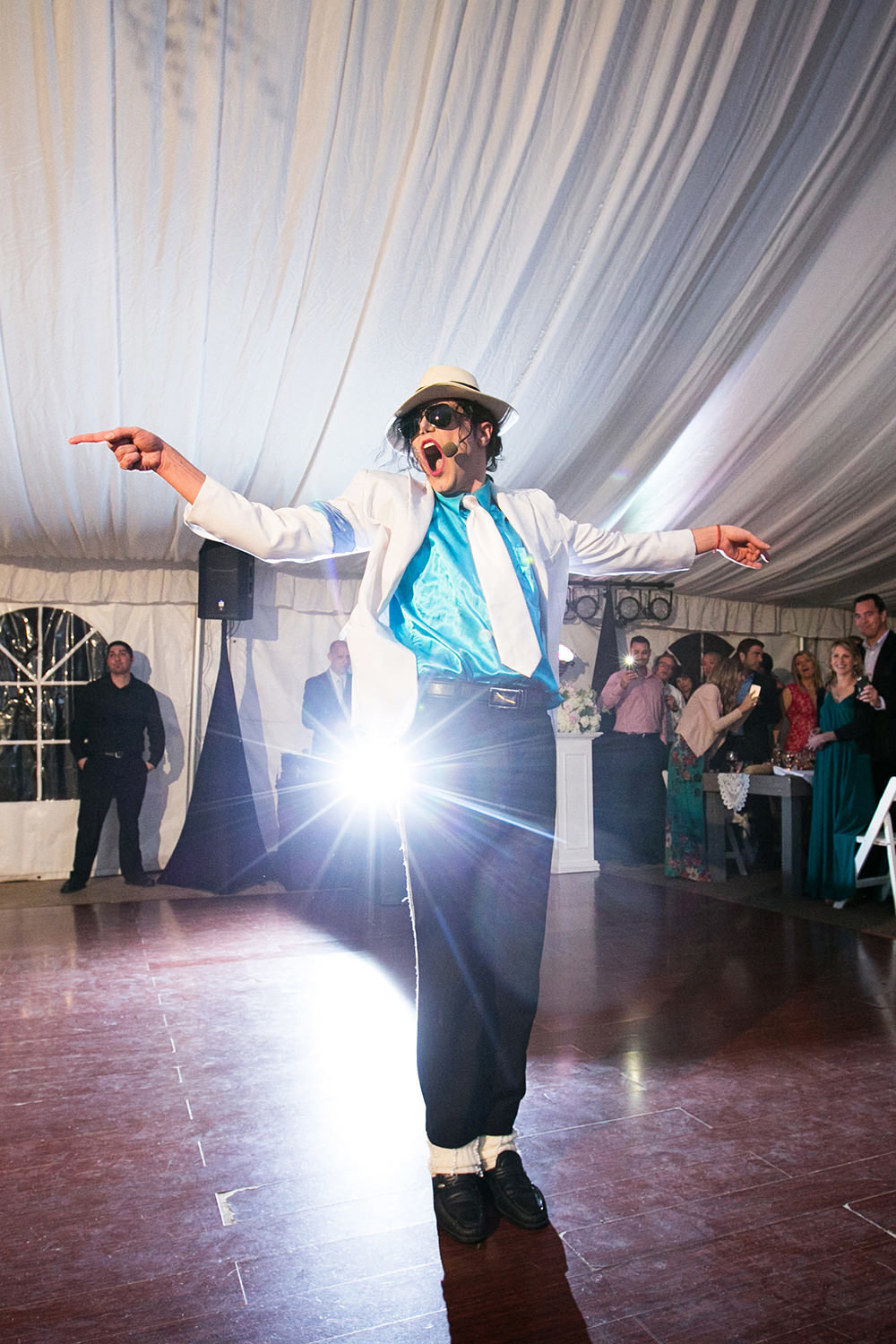 Michael Jackson puts on an amazing performance at this Twin Oaks Wedding Reception