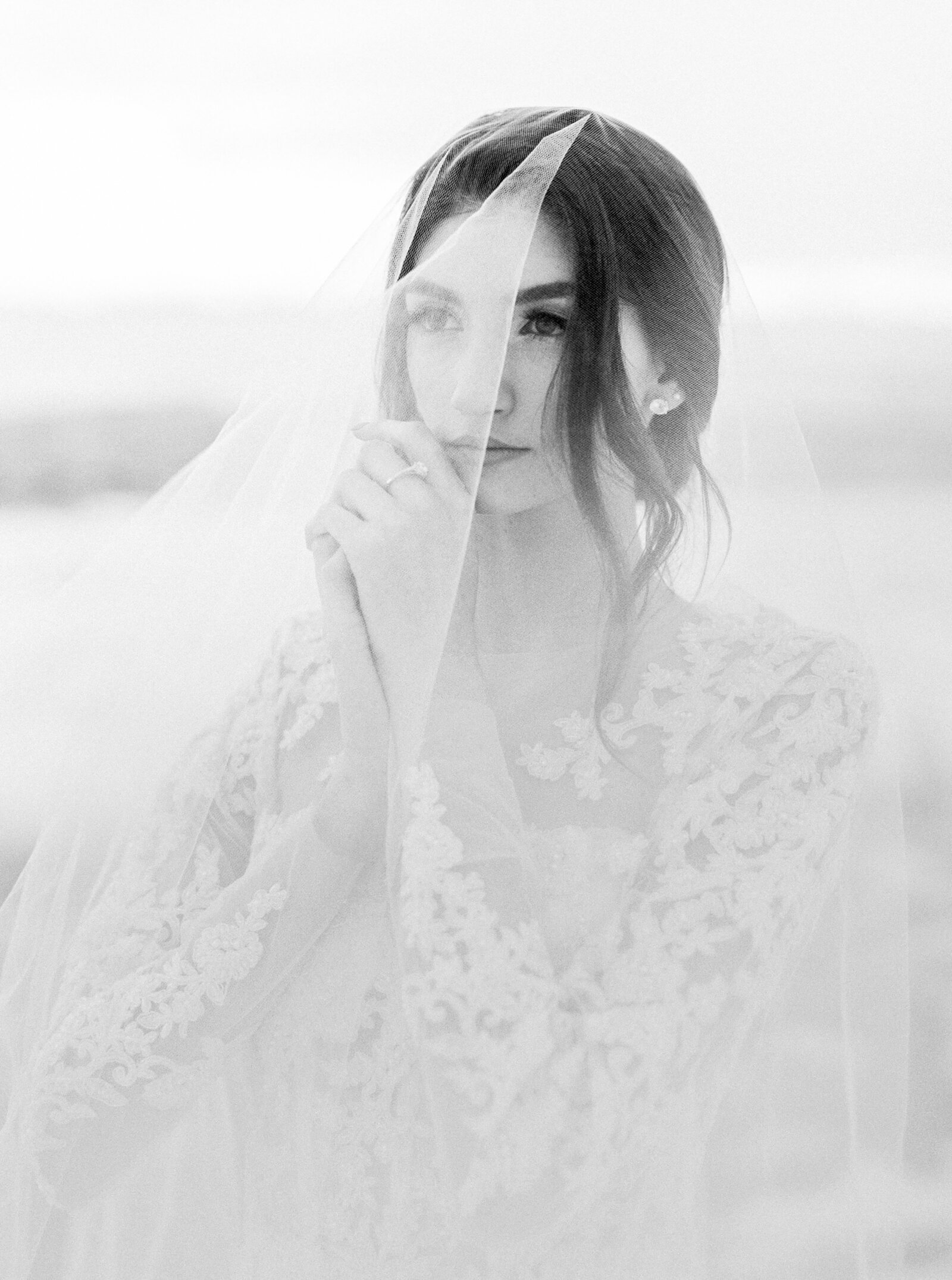 050-larissa-cleveland-editorial-fashion-wedding_photographer-san-francisco-carmel-napa-california-LCphoto-winter-Montana-fostercreek-040