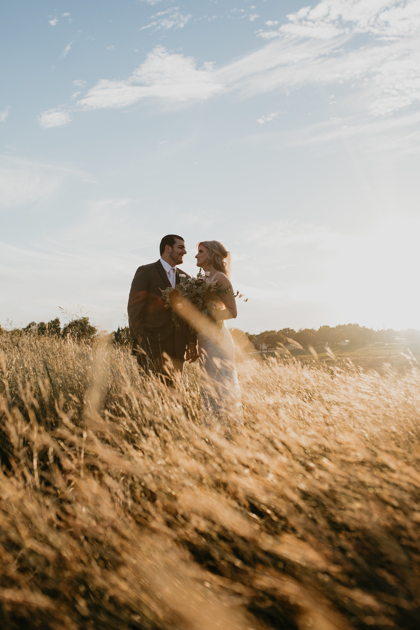 beautiful golden hour wedding at hawthorn hills ranch in krum texas