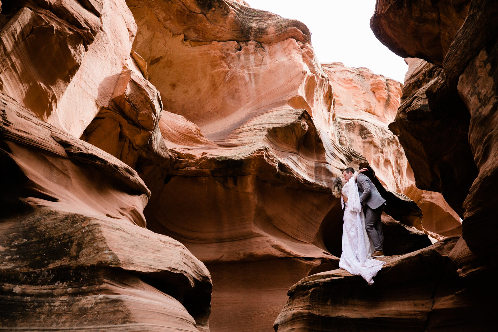Aimee-Flynn-Photo-Slot-Canyon-Wedding