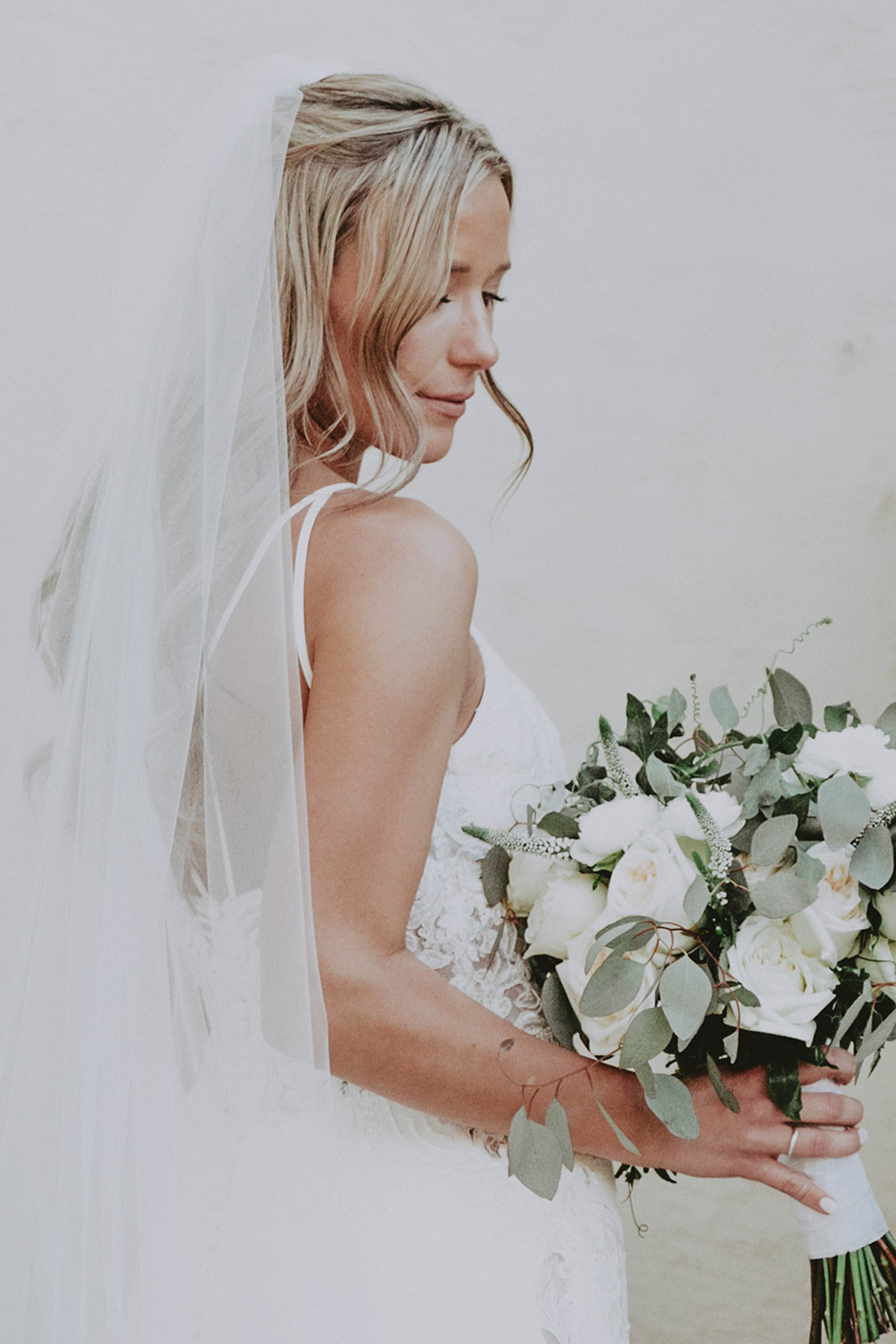 veil-bride-bouquet-tana-hughes-photography-mccormick-ranch-golf-club
