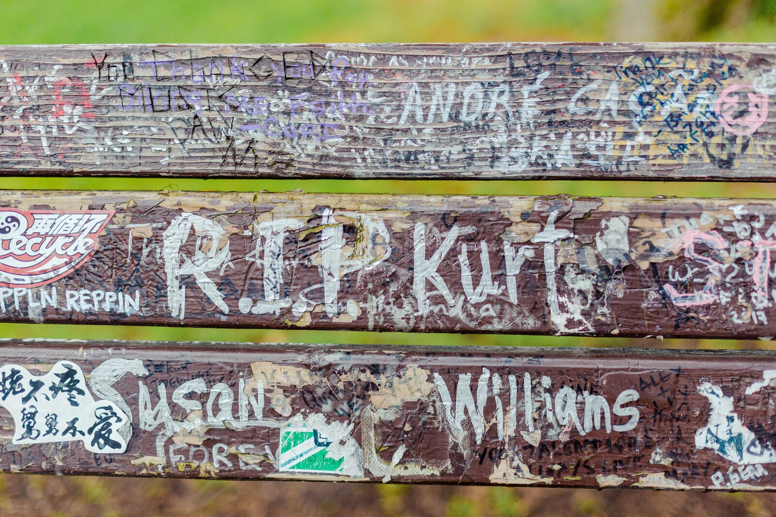 0019-USA-North-America-Seattle-Kurt-Cobain-Bench-0018.JPG