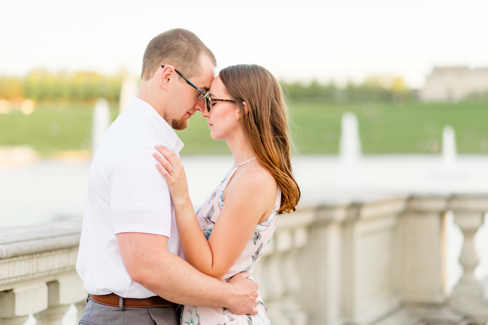 Forest-park-st-louis-spring-engagement-session-flowers11