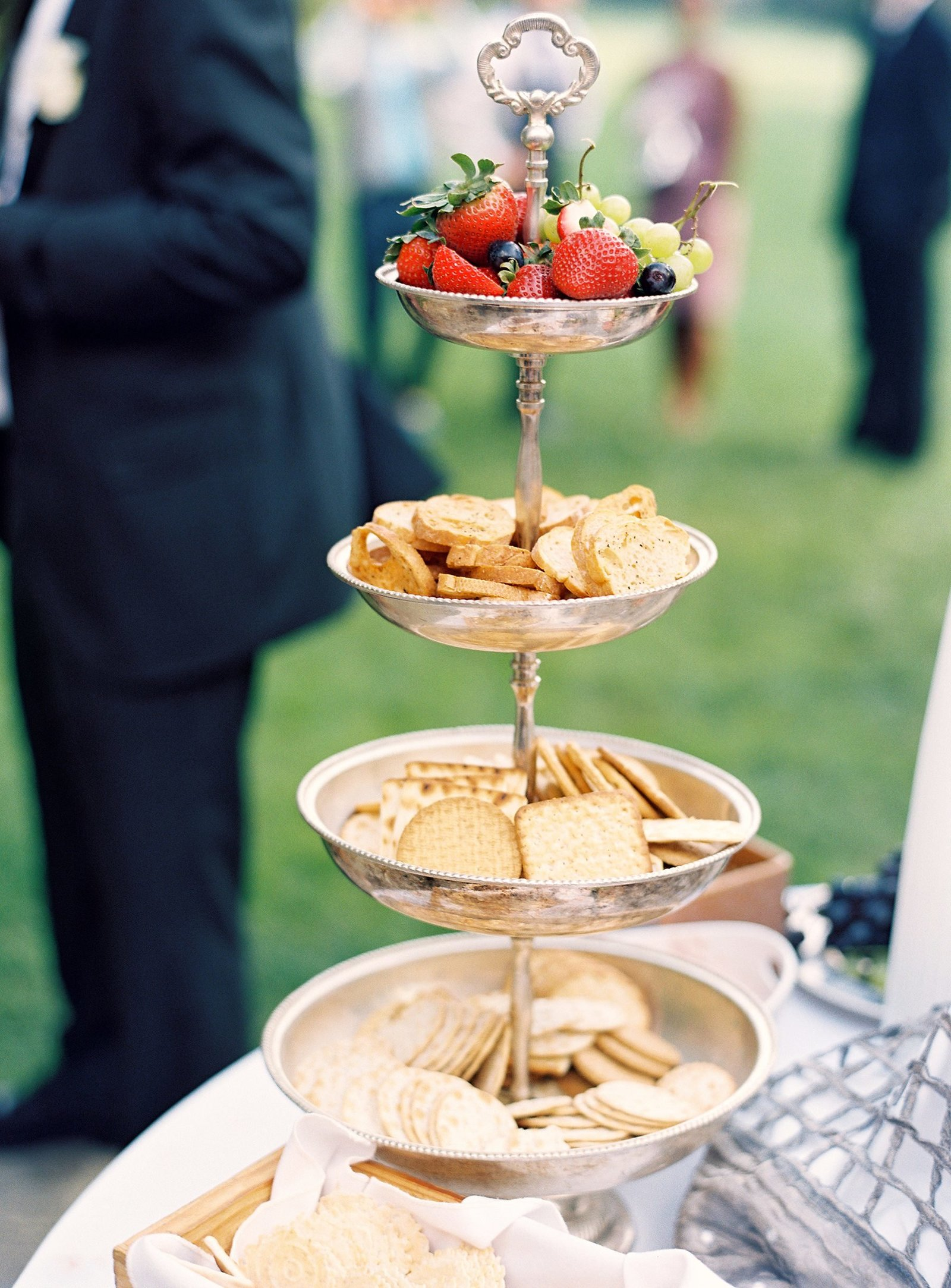 spring_wadsworth_mansion_sperry_tent_wedding_0019