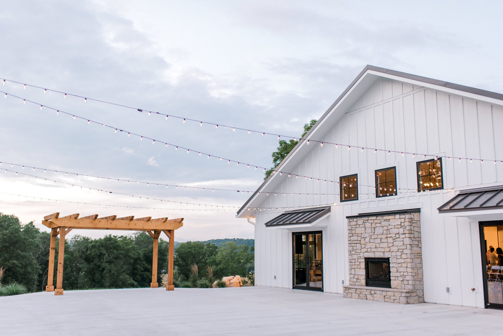 Bloomington_Indiana_The_Wilds_Wedding_Venue_Outdoor_wedding_reception_ideas
