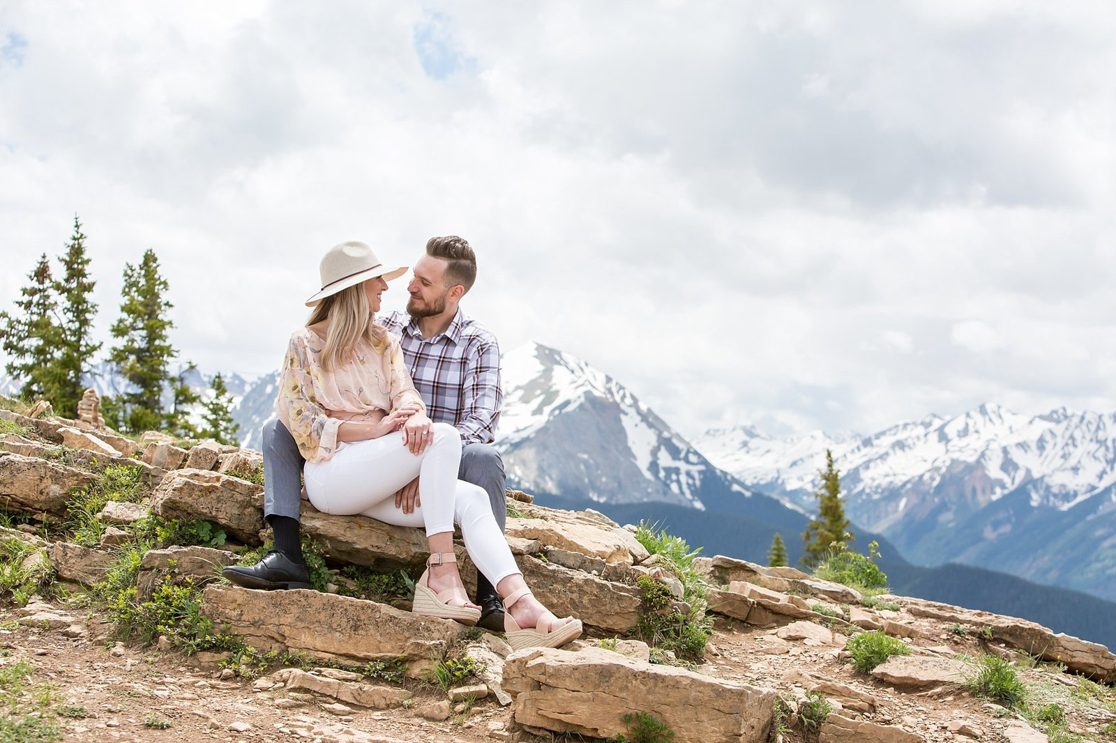 Engagement photographer on top of Aspen mountain