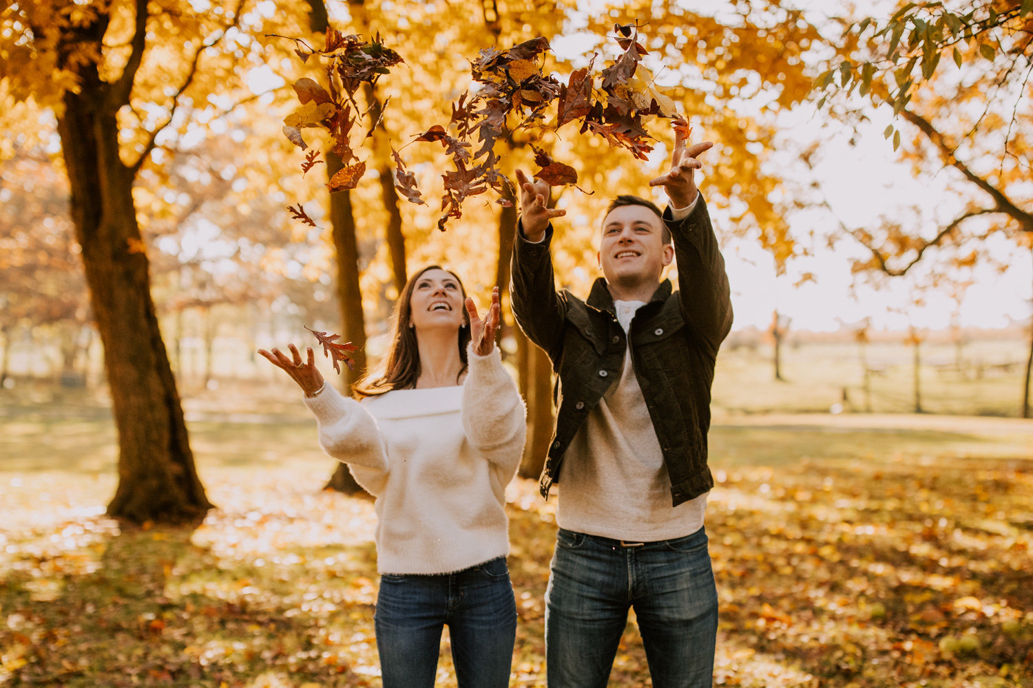 Glowing-fall-engagement-session-stoney-run-county-park-35