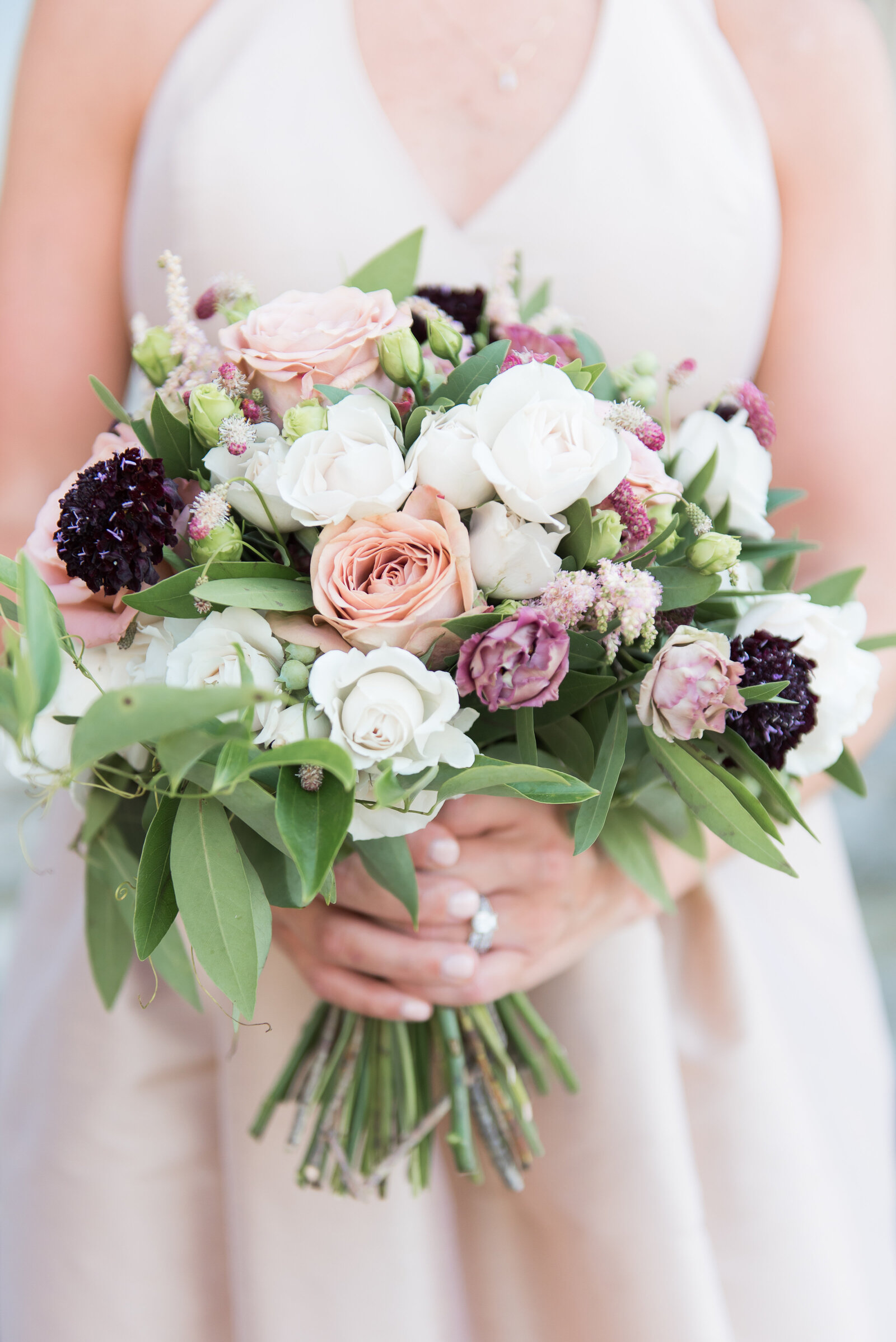 berry tone bouquet