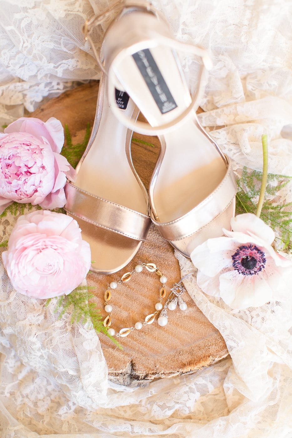 bridal-shoes-and-jewelry
