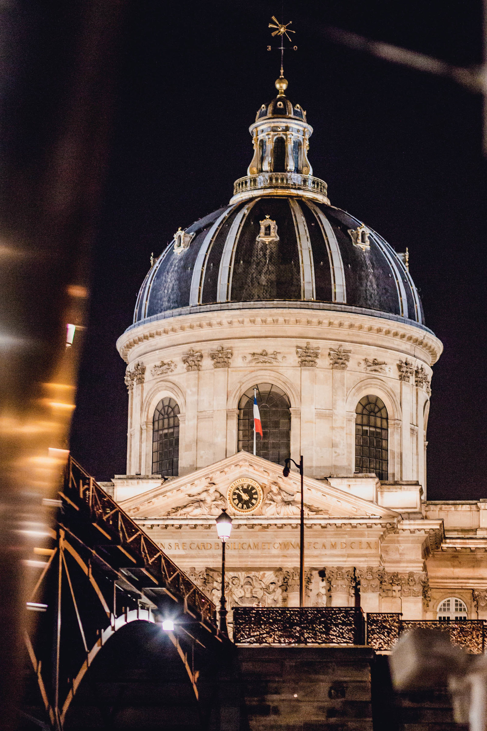 institut-night-paris-france-travel-destination-wedding-kate-timbers-photography-1838