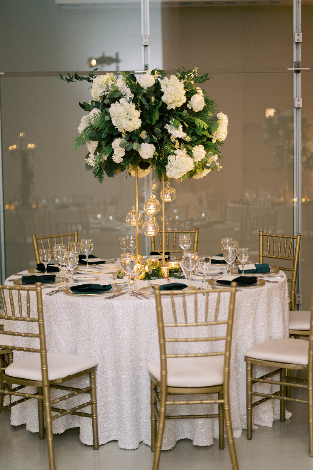 28-Venue-Six10-Wedding-centerpiece