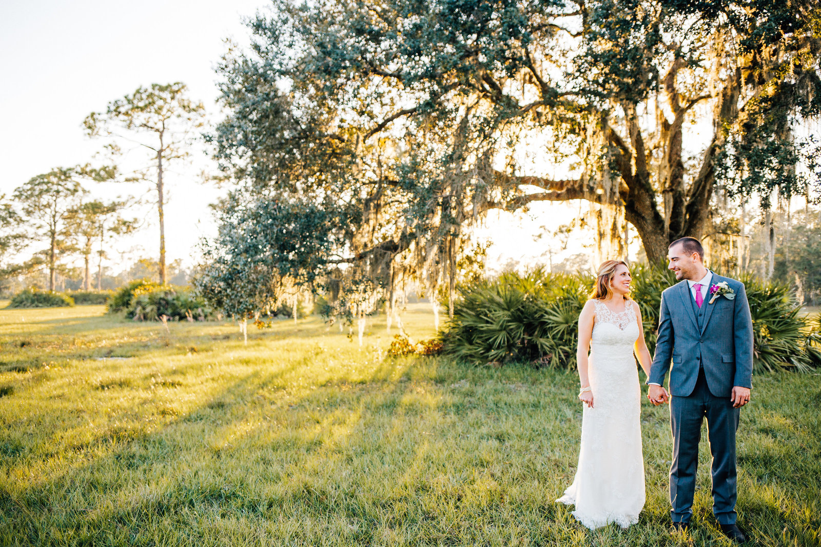 bride-groom-portrait-oak-trees