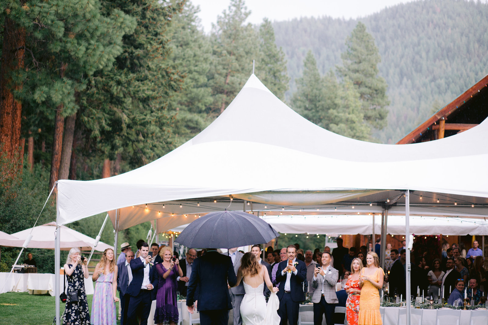 mountain-springs-lodge-candid-wedding