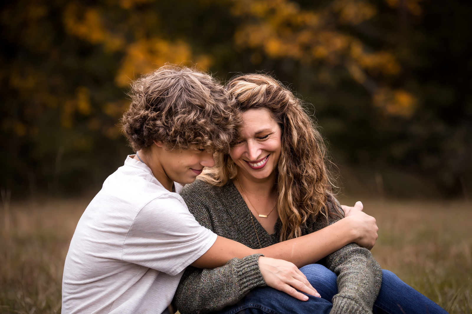 family photographer, columbus, ga, atlanta, wander years, teen son hugging mom, ker-fox photography_1124
