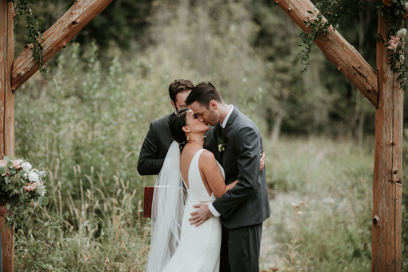 Hannah+Mike-Cabin-creek-lodge-wedding-Sept-2018-APW-H109