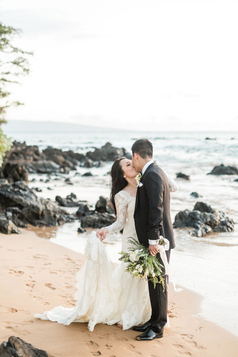 W0461_Haiku-Mill-wedding_Maui-Photographer_CaitlinCatheyPhoto_0212