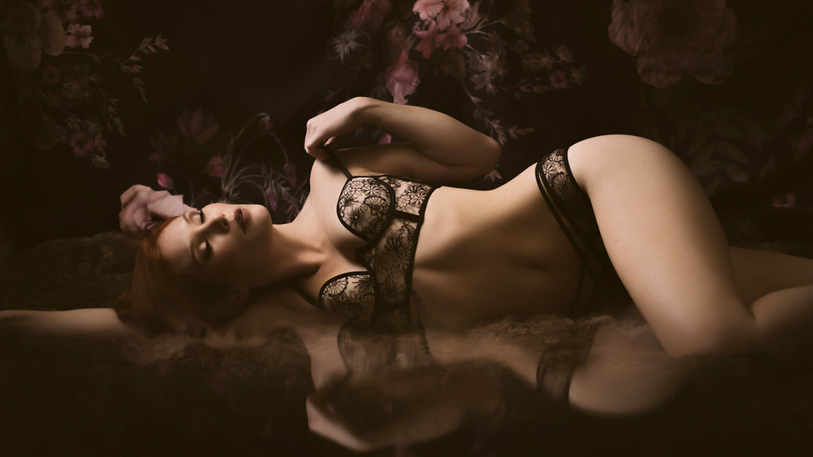 velvet_light_boudoir_photographer_savannah_4c625b2b84304e247e0ec41e5f2d1d5e