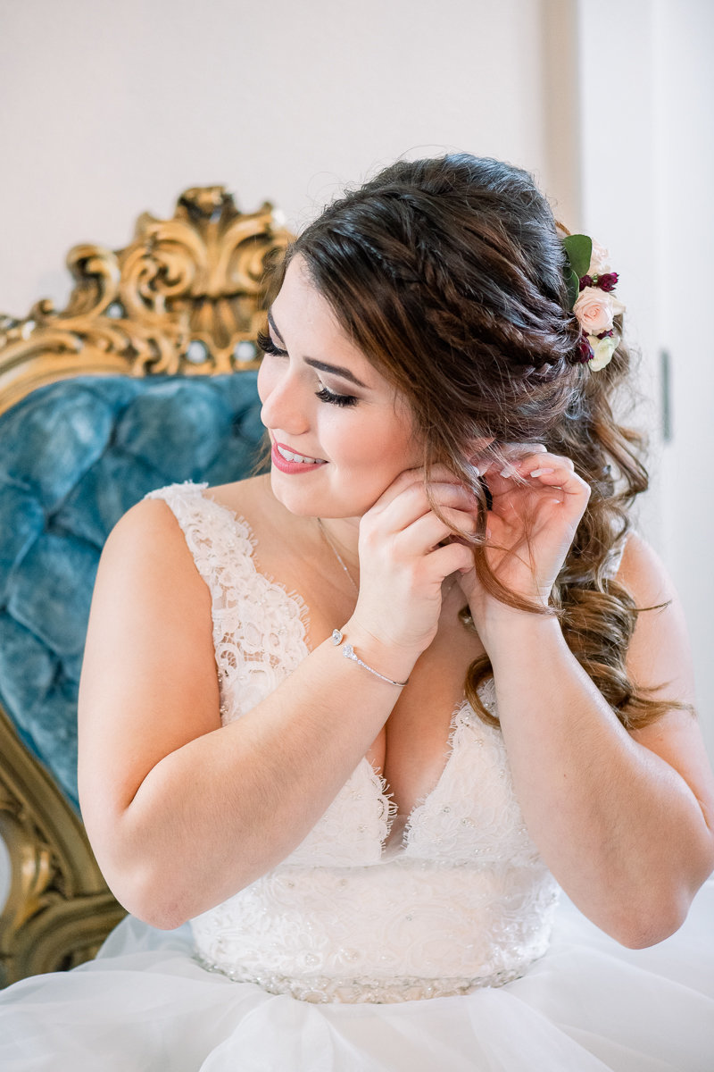 Covington Farm Wedding Photographer | Covington Farm Wedding Venue | Bride getting ready-16