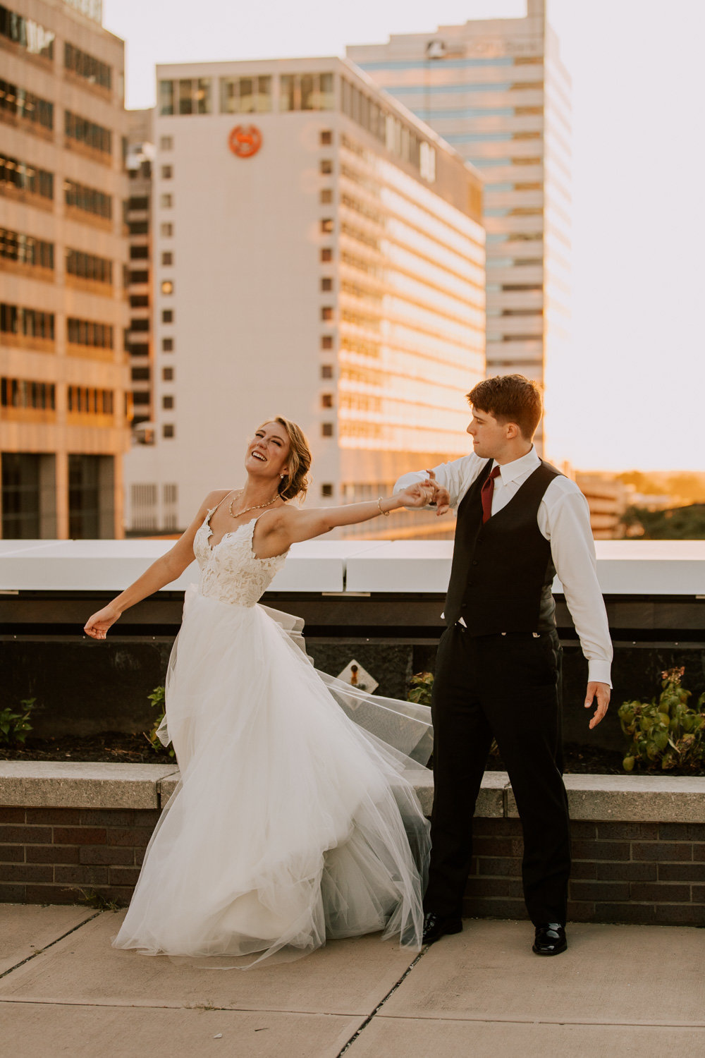 Rooftop-sunset-wedding-indianapolis-195