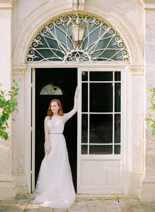 Molly-Carr-Photography-Paris-Film-Photographer-France-Wedding-Photographer-Europe-Destination-Wedding-Villa-Di-Geggiano-Siena-Tuscany-Italy-46