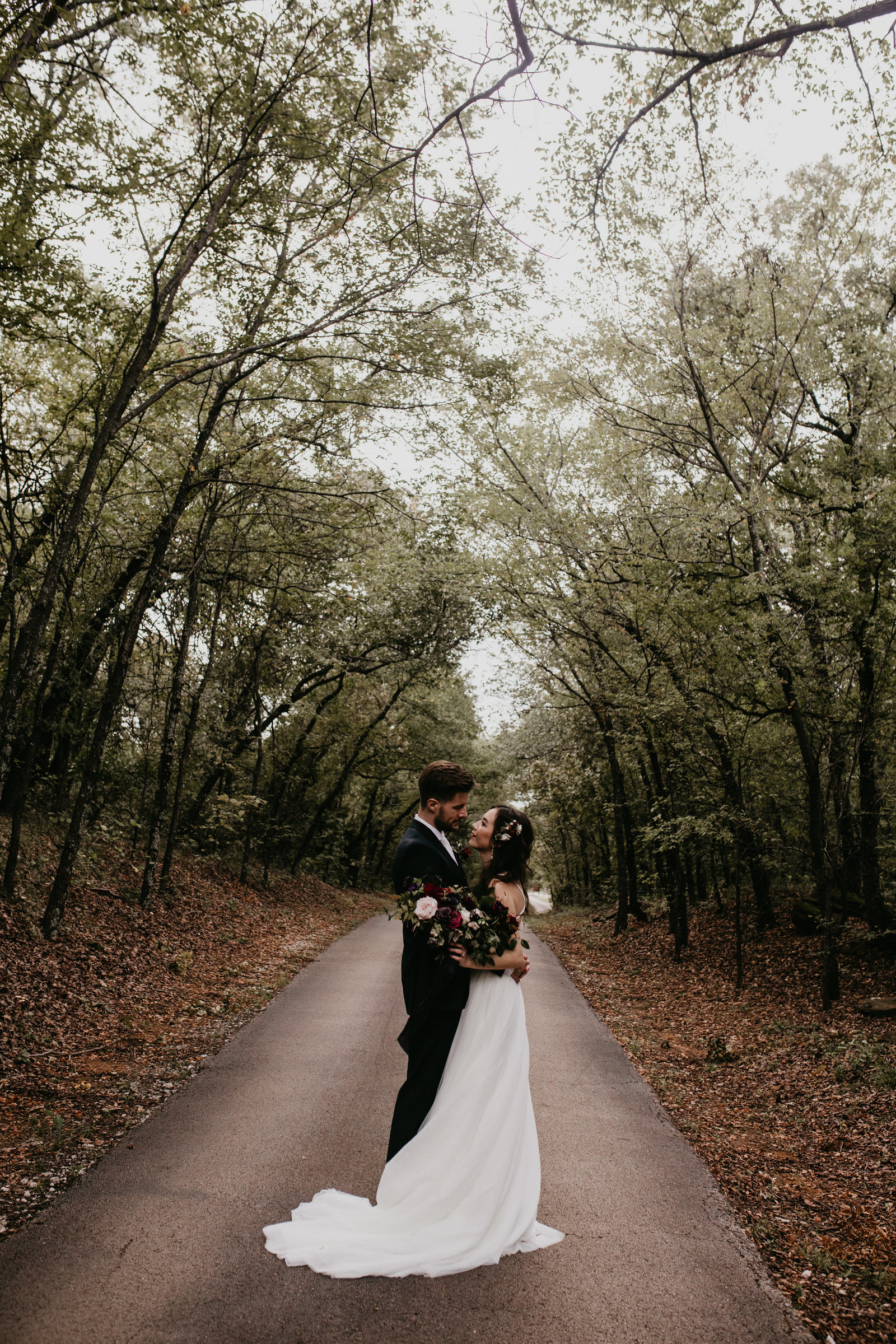 a gorgeous fall bohemian wedding at the grove in aubrey texas
