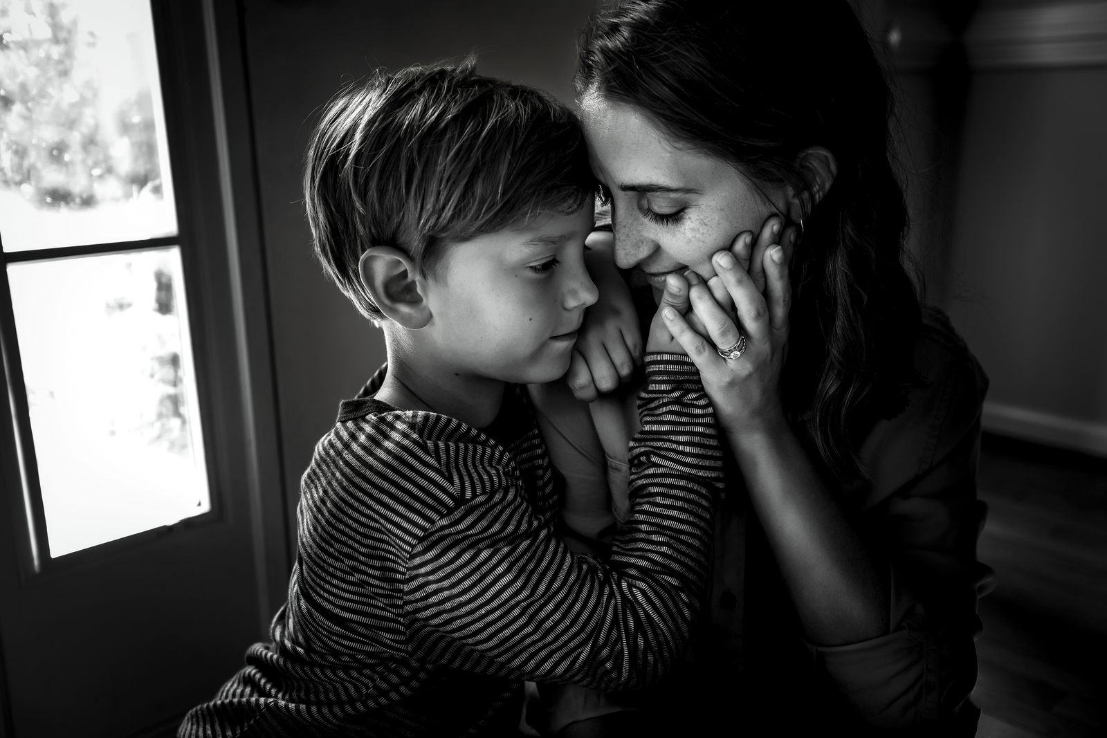 family photographer, columbus, ga, atlanta, wander years, mom hugging son, hand on face, ker-fox photography_0665