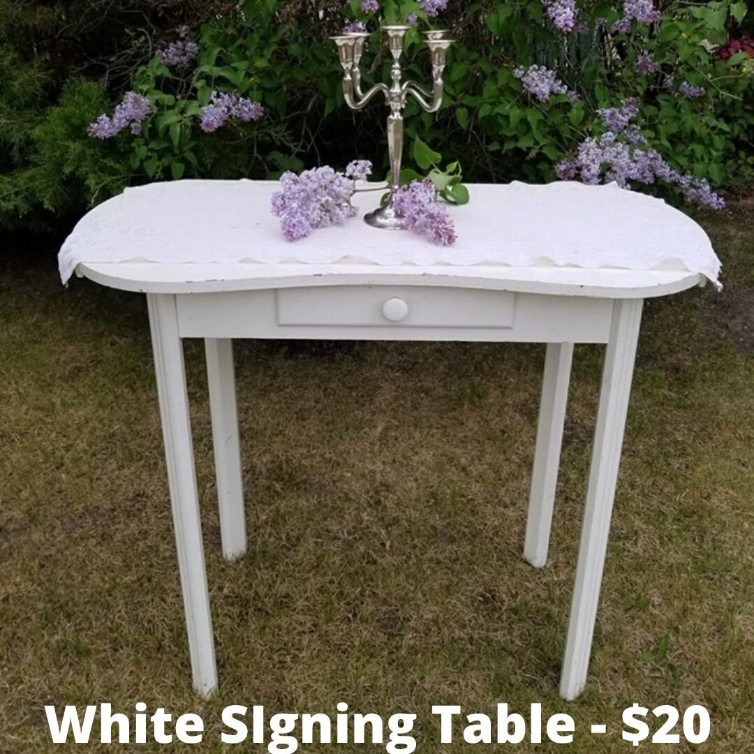 white signing table
